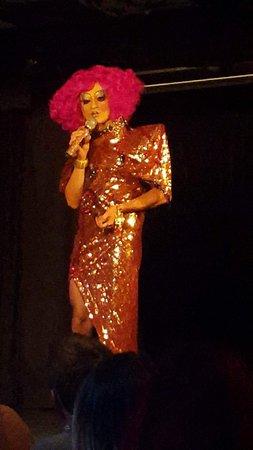 Cabaret Mado: photo1.jpg