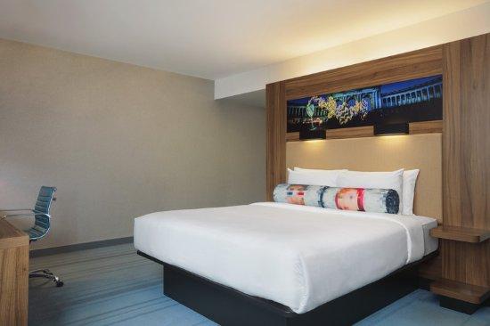 Etterbeek, Bélgica: Aloft Room King Bed
