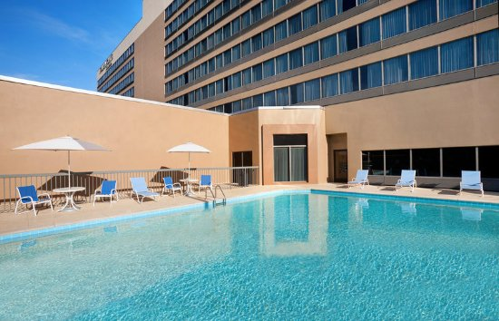 Four Points by Sheraton Nashville-Brentwood: Outdoor Pool