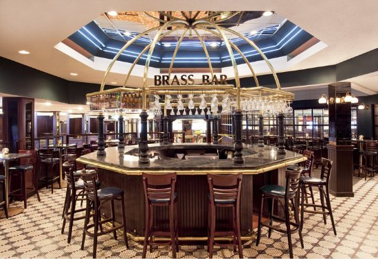 Sheraton Greensboro at Four Seasons: Brass Bar