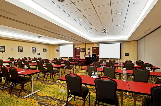 Norman, OK: Small Meeting Space Conference Style