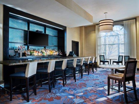 Westin Annapolis: Azure Bar & Lounge