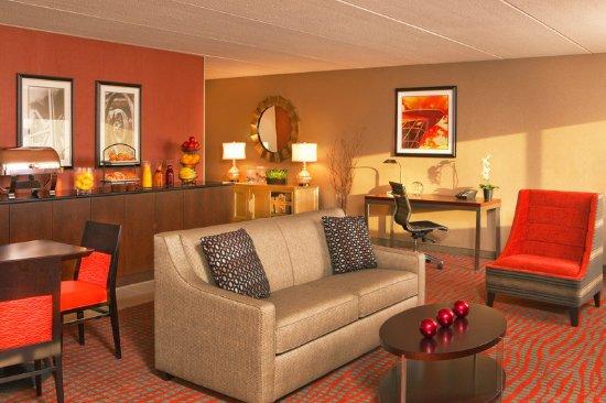 Brown Deer, WI: Executive Lounge