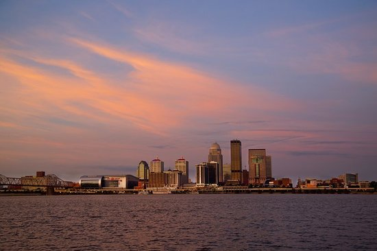 Jeffersonville, IN: Louisville Kentucky Skyline at Dawn