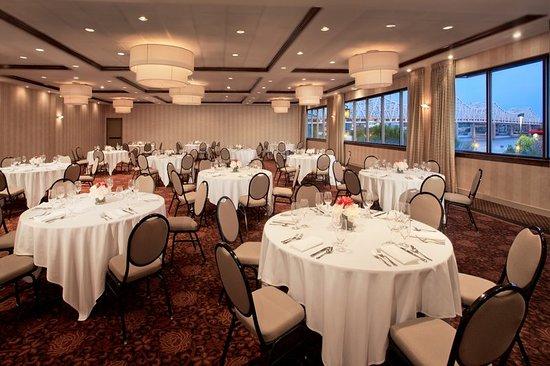 Jeffersonville, Ιντιάνα: Riverside Ballroom Banquet Rounds