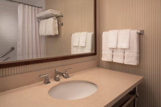 Jeffersonville, Ιντιάνα: Guest Bathroom