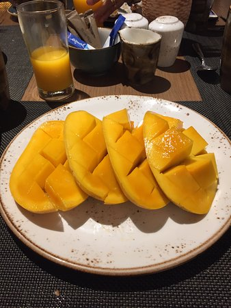 Dusit Thani Manila: Fresh Mango fro Philippines. The best in the World! You can get it if you request it.