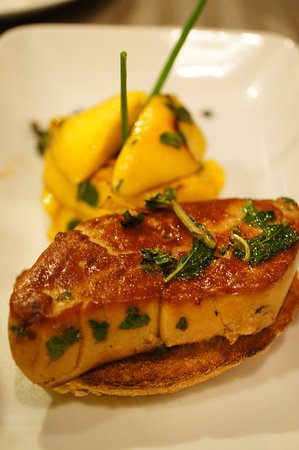 Le Rendez Vous: foie gras with mango