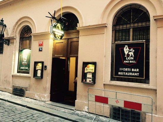 Lion & Ball, Praha