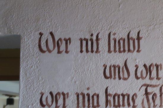 Hermagor, ออสเตรีย: Hüttenspruch