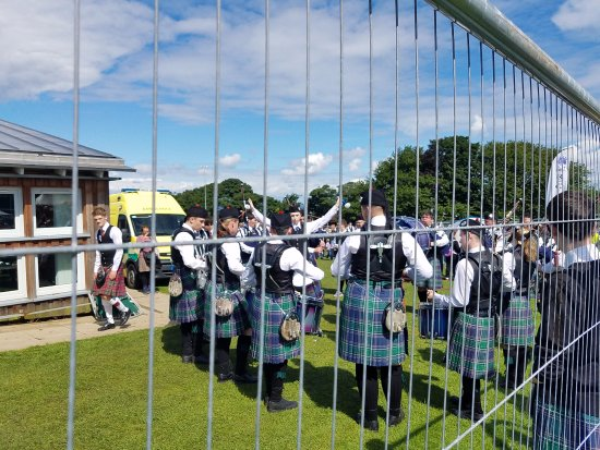 Ceres, UK: Pipe Band rehersing
