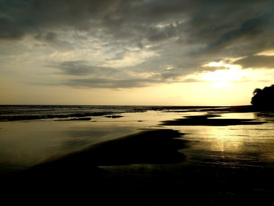 Pekutatan, Indonesia: Golden Sunset in Paradise