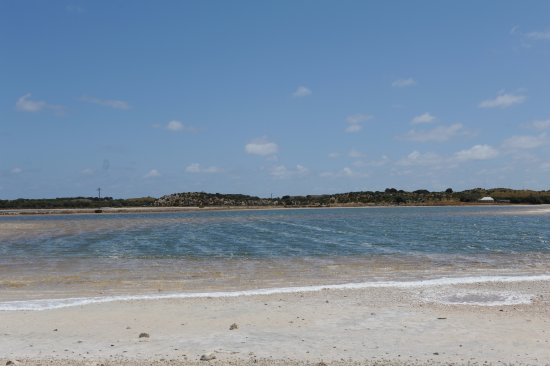 Rottnest Island, Australien: Salt lakes have a pinkish colour to them