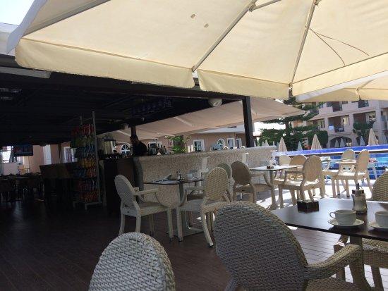 Contessina Hotel: The Contessina and beach