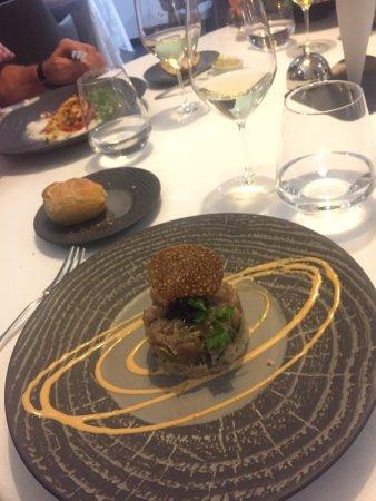 Restaurant Place De L Eperon Le Mans