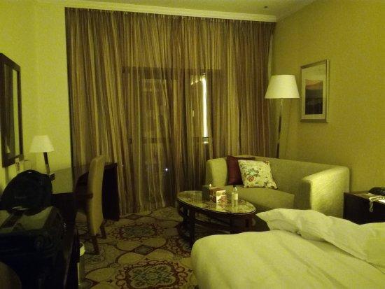 Coral Dubai Deira Hotel: spacious room