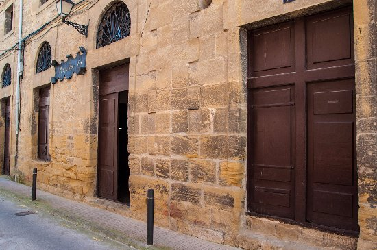 Haro, Spain: Entrada a la bodega