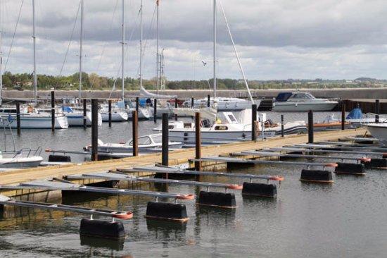 Abbekas, Suecia: Ansök om båtplats i hamnen! Se länk på