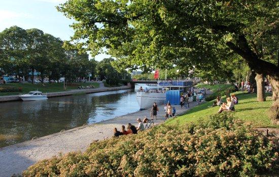 Salo, فنلندا: Suomen parhaaksi toriksi valittu Salon tori sijaitsee Salon sydämessä Salonjoen rannalla. 