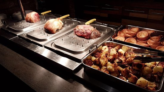 Polmont, UK: Our freshly prepared Sunday roasts accompanied with all you can eat trimmings.