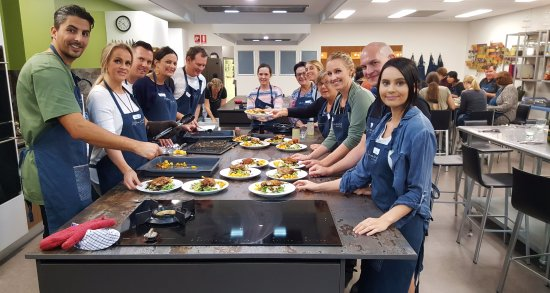 Mount Pleasant, Australia: Serving up Duck Confit in our French Bistro Class
