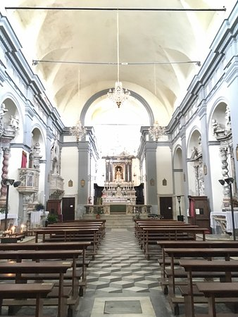 Fosdinovo, Italien: Inside the church.