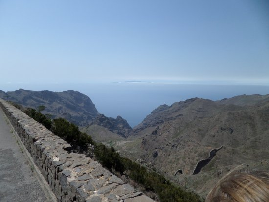 Buenavista del Norte, Spain: View Southwest to Barranco del Carrizal