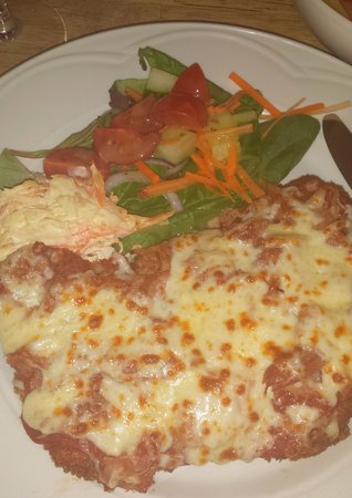 Stocksfield, UK: Chicken Parmigiana (chicken fillet, topped with a Napoli tomato paste, shredded ham & cheese)