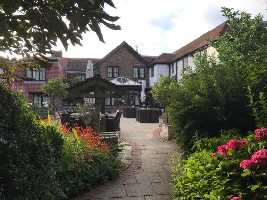 The Inglenook Hotel & Restaurant: View of part of the rear garden area and rear of the hotel