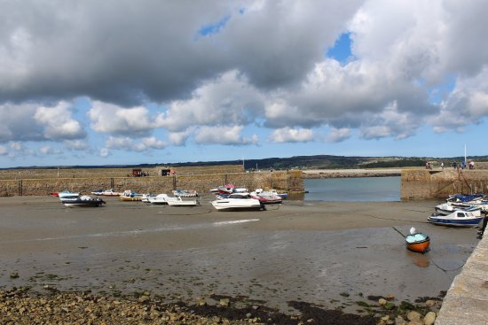 Marazion, UK: Harbour at low tide