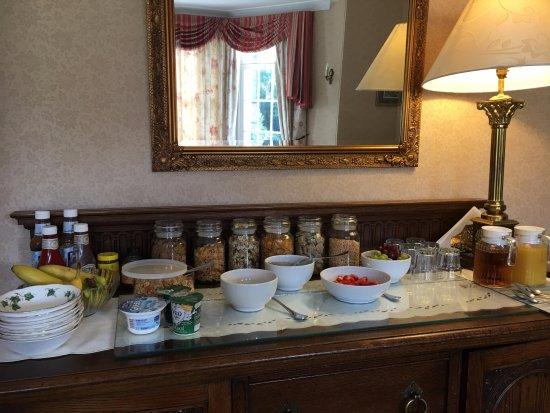 Walkerburn, UK: More Breakfast