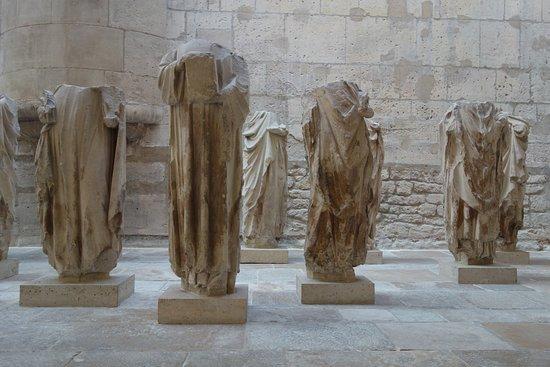 Musée de Cluny - Musée National du Moyen Âge : Esculturas de la Iglesia de Notre Dame