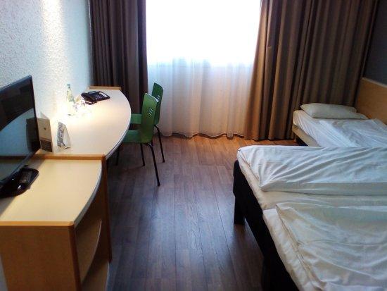drei sterne ibis hotel dortmund west - picture of ibis hotel