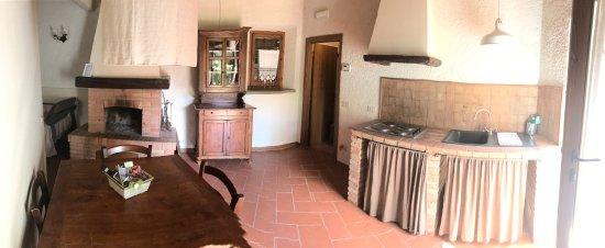 """Fattoria San Donato: Appartamento """"Il Circolo"""" - Interno zona giorno"""