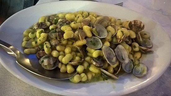 Province of Livorno, Italia: Gnocchetti firi di zucca e vongole