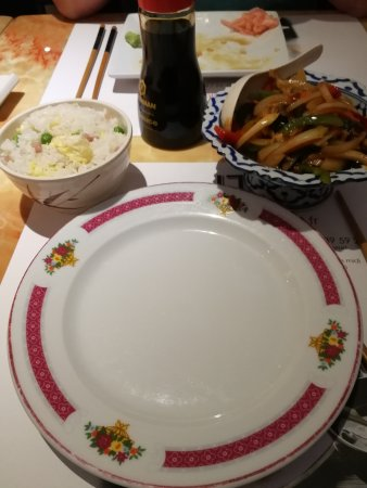 Levallois-Perret, Frankrike: Canard sauté au basilic et riz cantonnais