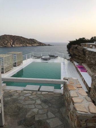 Milopotas, Griekenland: Ios Palace   Direct sur la plage, endroit tranquille, deux piscines une avec un bar et l'autre p