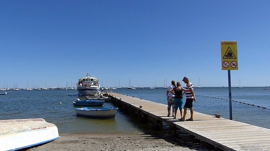 Santiago de la Ribera, España: Ferry and Jetty