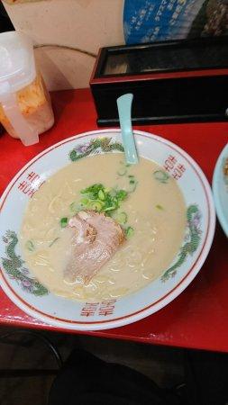 Ibaraki, Japan: 豚骨スープはサラッとしてしつこくないです