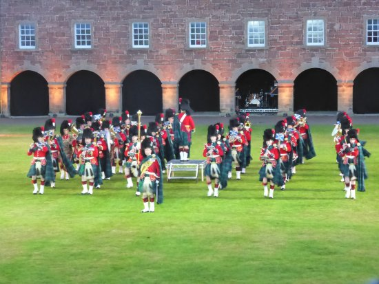 ‪‪Ardersier‬, UK: The band of the Royal Regiment of Scotland‬