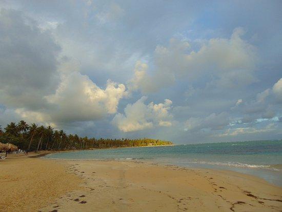 Grand Bahia Principe El Portillo: Morning on the Beach