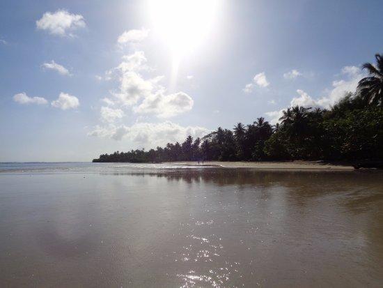 Grand Bahia Principe El Portillo: To the right of the resort