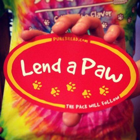 Christiana, DE: Lend a Paw
