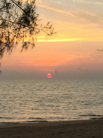 Ko Kho Khao, Thailand: Beautiful sunset @Mama's kitchen