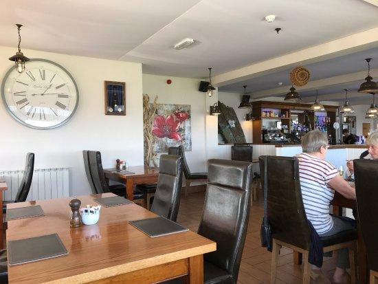 Beaucette Marina Restaurant & Bar: photo1.jpg