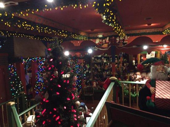 Paradise, PA: National Christmas Center