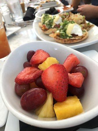 Dublin, OH: Fruit dish