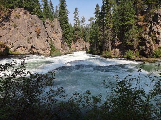 Sunriver, OR: Benham Falls Looking Downstream