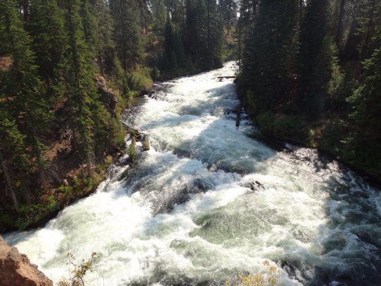 Sunriver, OR: Benham Falls Looking Upstream