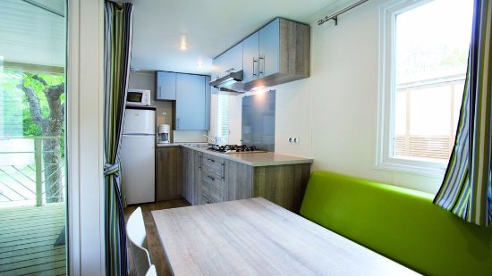 club domaine de ch teau laval hotel gr oux les bains france voir les tarifs et 216 avis. Black Bedroom Furniture Sets. Home Design Ideas
